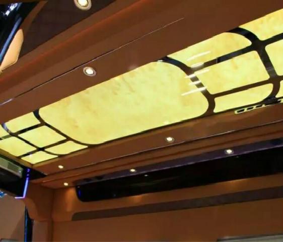 房车内饰顶灯改装